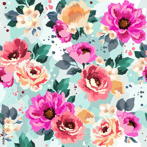 Beautiful seamless floral pattern with watercolor effect. Flower vector illustration