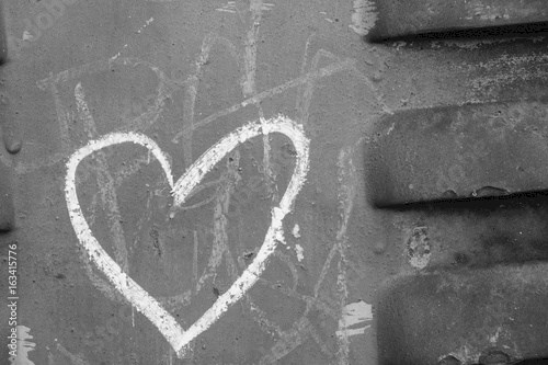 Heart wall grafitti and texture